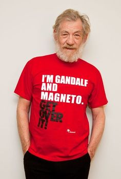 """Ian McKellen made geeks dream with his T-shirt """"I'm Gandalf and Magneto"""". It is now up to Harrison Ford to respond to Ian McKellen a T-shirt """"I'm Han Solo, Indi Gandalf, Aragorn Lotr, Geek Shirts, Funny Shirts, Harrison Ford, Patrick Stewart, Sherlock, Les Plus Vues, Sir Ian Mckellen"""