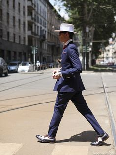 dandy in milan menswear streetstyle hat suit