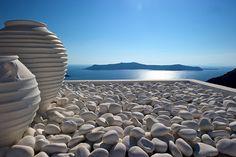 Zen in Santorini Santorini Island, Mykonos Greece, Beautiful World, Beautiful Places, Places In Greece, Photo Blue, Real Estate Services, Interior Exterior, Heaven On Earth