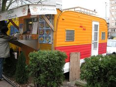 love Portland food trailers!