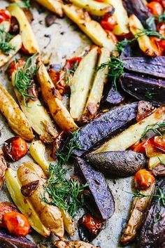 Spicy Roasted Potatoes with Lemon and Herbs | Joanne Eats Well With Others Vegetarian Casserole, Vegetarian Breakfast Recipes, Vegetarian Main Dishes, Vegetarian Appetizers, Vegetarian Soup, Fast Healthy Meals, Easy Healthy Recipes, Whole Food Recipes, Vegan Recipes