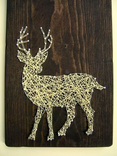 White Tailed Deer Silhouette Modern String Art Tablet di NineRed