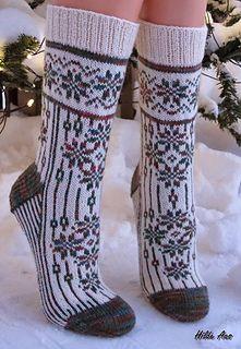 Advent og Jule sokker pattern by H-Strikk - Fair Isle Knitting, Knitting Socks, Hand Knitting, Knitting Patterns, Crochet Socks Pattern, Knit Crochet, Knit Shoes, Wool Socks, Ravelry