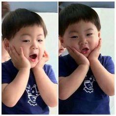 Manse so cute! Cute Kids, Cute Babies, Baby Kids, Song Il Gook, Triplet Babies, Superman Kids, Man Se, Song Daehan, Song Triplets