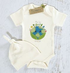 Baby Gender Neutral, Certified Organic Bodysuit & Knot Cap, Earth Day, Gift Set