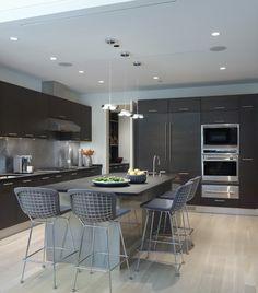 This Modern City Retreat Encompasses The Sensational Interior Design By  Jessica Lagrange Interiors Of A Condominium On North Michigan Avenue For A  Suburban ...