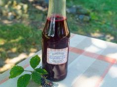Sauce Bottle, Beer Bottle, Home Canning, Alcoholic Drinks, Rose, Smoothie, Syrup, Pink, Canning
