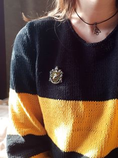 🖤💛a proud hufflepuff aka me is ready to see fantastic beast: the crimes of grindelwald💛🖤 Estilo Harry Potter, Mundo Harry Potter, Theme Harry Potter, Harry Potter Aesthetic, Harry Potter Houses, Harry Potter Outfits, Harry Potter Books, Harry Potter Universal, Harry Potter Fandom
