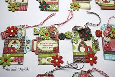 christmasgift tags with Petaloo flowers in christmas colors