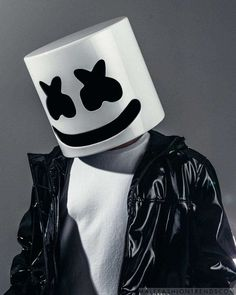 Male Fashion Trends: Marshmello viste looks urbanos en clave oversize para NUDE Magazine Car Iphone Wallpaper, Music Wallpaper, Cellphone Wallpaper, Wallpaper Quotes, Black Background Wallpaper, Dslr Background Images, Black Backgrounds, Wallpaper Backgrounds, Marshmallow Pictures