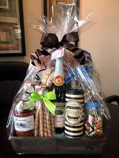 GORGEOUS GIFT BASKETS!!! http://www.pinkshark.ca/