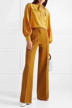 6d823e3478ba40 Omiljena nijansa žute boje ponovno osvaja jesensku sezonu mustard pants  Fendi Top Designer Brands, Designer