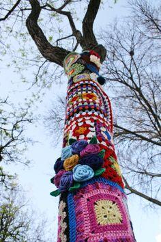 Yarn bombing Tree - Portimão - Algarve