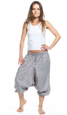 укороченные серые алладины из хлопка, восточная одежда. http://indiastyle.ru/products/zhenskie-bridzhi-vidya 1120 рублей