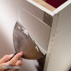Improve your drywall taping skills and increase your speed with these taping tips. They'll help you achieve invisible joints and perfectly smooth walls. Drywall Tape, Drywall Repair, Drywall Mud, Home Improvement Projects, Home Projects, Steel Framing, Hanging Drywall, Drywall Finishing, Drywall Installation