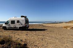WHATABUS-Blogbeitrag über unsere Tour auf die Kanaren: Von Lanzarote reisen wir weiter nach Fuerteventuraundbeschließen dort, so schnell wie möglich nach El Hierro weiterzureisen und machen noch einen Zwischenstopp in Teneriffa.