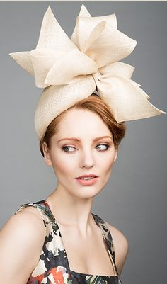 Rachel Trevor Morgan, S/S 2015. Natural fine straw teardrop pillbox with straw bows. #passion4hats