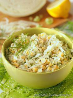 zdrowa-surowka-kapusciana-z-kukurydza-i-porem Cantaloupe, Grains, Salads, Food And Drink, Rice, Fruit, Cooking, Health, Places