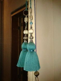 Ceiling Fan Pull Chain, Ceiling Fan Pulls, Yarn Crafts, Diy And Crafts, How To Make Tassels, Diy Tassel, Passementerie, Fabric Jewelry, Sewing Projects