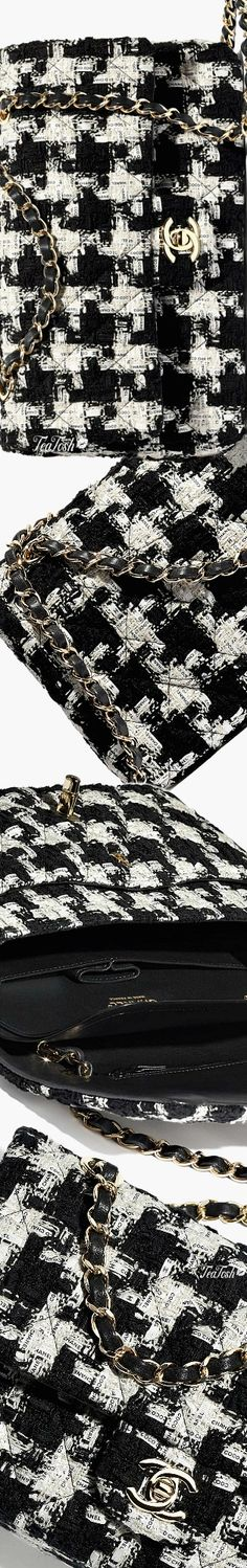❈Téa Tosh❈ Chanel, SS 2020 #Chanel #teatosh Black White Fashion, Black And White, Handbag Accessories, Fashion Accessories, Pin Logo, Chanel Fashion, Houndstooth, The Incredibles, Pictures