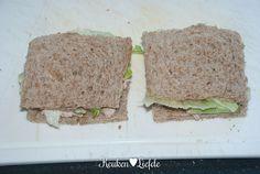 Serveer de sandwiches direct of wikkel ze goed in vershoudfolie en High Tea Sandwiches, Afternoon Tea, Tapas, Bread, Fruit, Breakfast, Lunches, Food, Morning Coffee