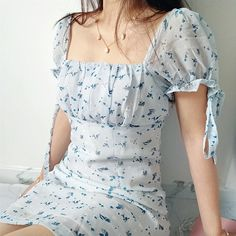 Modest Dresses, Pretty Dresses, Pretty Outfits, Casual Dresses, Short Dresses, Aesthetic Fashion, Aesthetic Clothes, Look Fashion, Feminine Fashion