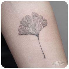 """""""ginko leaf :-) #타투이스트리버 #tattooistRiver #tattoo #graffittoo #타투 #그라피투"""""""