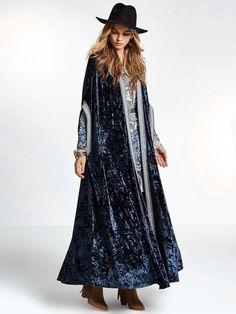 SheIn offers Embroidered Taped Trim Velvet Longline Cardigan & more to fit your fashionable needs. Cardigan Long, Velvet Cardigan, Longline Cardigan, Boho Fashion, Fashion Outfits, Fashion Design, Artisanats Denim, Sequin Kimono, Mode Abaya