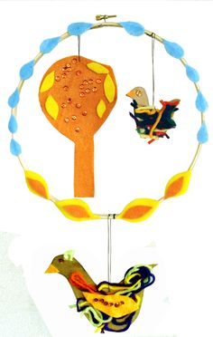 embroidery hoop felt mobile via creative jewish mom