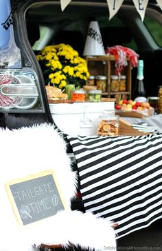 STYLISH TAILGATING WITH THE GIRLS — Celebrations at Home #tailgating