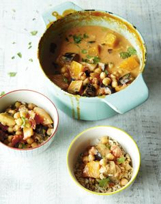 "Coconut Thai Curry with Chickpeas. Deliciously Ella says: ""It keeps really well, so you can make extra portions of it to store in the fridge to fuel you through the week."" Lunch is sorted this week! Thai Coconut Curry Recipe, Thai Curry Recipes, Asian Recipes, Real Food Recipes, Cooking Recipes, Chickpea Recipes, Vegetarian Recipes, Healthy Recipes, Ella Vegan"