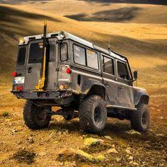 Land Rover Defender. Via 500px.