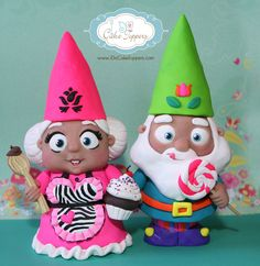 https://flic.kr/p/bE6aaf | Mr & Mrs Gnome | Mr & Mrs Gnome sculpted by artist Christina Patterson from www.iDoCakeToppers.com. 8.5 inches tall and made from Polymer Clay