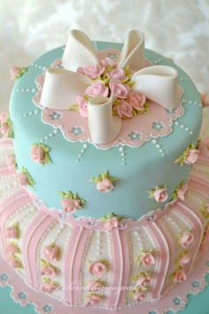 Bridal Shower Cake, love this for the tea party! Baby Cakes, Baby Shower Cakes, Cupcake Cakes, Mini Cakes, Gorgeous Cakes, Pretty Cakes, Cute Cakes, Amazing Cakes, Round Wedding Cakes
