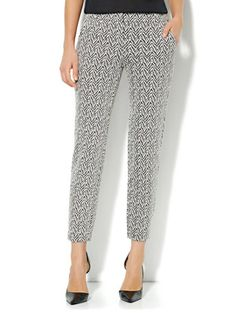 Shop Slim Leg Jacquard Trouser Pant. Find your perfect size online at the best price at New York & Company.