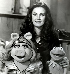 Episode 419: Lynda Carter w Miss piggy and Kermit the Frog