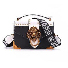 Burberry Handbags, Prada Handbags, Fashion Handbags, Purses And Handbags, Fashion Bags, Fashion Women, Curvy Fashion, Ladies Handbags, Suede Handbags