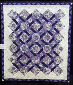 Quilting lattice chain patterns on pinterest maze for Garden trellis designs quilt patterns