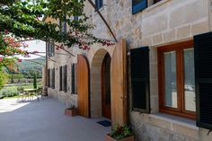 What about à la Provençale style? It's all about the Mediterranean locations in this house!  #villaforsale #pollentiaproperties