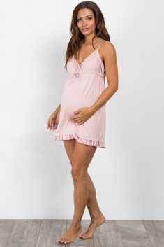 Shop cute and trendy maternity clothes at PinkBlush Maternity. We carry a wide selection of maternity maxi dresses, cute maternity tanks, and stylish maternity skinny jeans all at affordable prices. Cute Maternity Style, Maternity Nightwear, Maternity Sleepwear, Stylish Maternity, Maternity Fashion, Maternity Dresses, Fall Maternity, Cute Outfits For Kids, Pretty Outfits