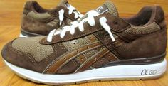 Up For Sale is a pair of ASICS SUEDE Mens CASUAL SNEAKERS BROWN & WHITE Sz 10. These shoes are in good physical condition but have a few paint marks on the right one. See photos for further details. Source: Asics Suede Mens Casual Sneakers Brown Amp White Sz 10 | eBay Related #second #hand #vintage #rare #clothes #pre #owned