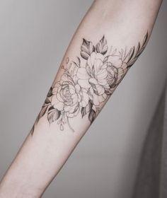 Tattoos, floral back tattoos, feminine tattoo sleeves, flower tattoo arm,. Floral Back Tattoos, Flower Tattoo Back, Flower Tattoo Designs, Rose Tattoos, Flower Tattoos, Feminine Tattoo Sleeves, Feminine Tattoos, Back Of Shoulder Tattoo, Flower Tattoo Shoulder