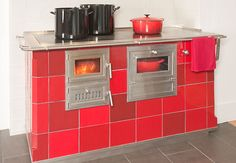 Red Cooking Stove, by Jessica Steinhäuser (Stonehouse Pottery)
