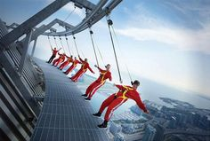 Skyscraper Edge Walk at CN Tower Toronto - I WANT TO DO THIS!!