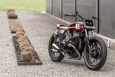 Get the skinny on building a BMW flat tracker, via VTR Customs of Switzerland
