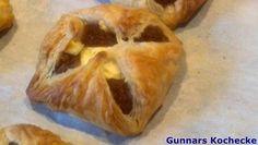 Blätterteigtaschen mit süßer Grießfüllung und Käse