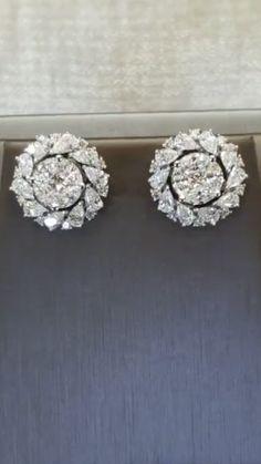 Black Gold Jewelry, Emerald Jewelry, Ear Jewelry, Jewelery, Fine Jewelry, Diamond Earring Jackets, Diamond Earing, Diy Schmuck, Antique Earrings