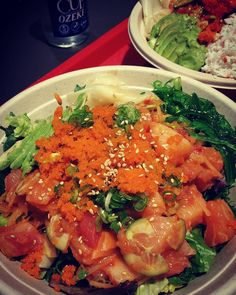 #poke#dinner#bombski#foodporn#sake#nomnoms#foodieadventures#foodielife#foodgasm#salmon#yellowtail#spicytuna#lowcarb#dietingisfun#happyfriday#fishyfishay#calipoke#protein#gainz#fishfriday#beatspokinometry by krzeduckii