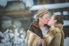 This #lesbian Game of Thrones-themed #wedding shoot is so pretty! Photos by @BG Productions Photography and Videography. Read more on EquallyWed.com! #lesbian #GameOfThrones #GoT #LGBT