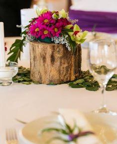 Mercidekor (@mercidekoreskuvo) • Instagram-fényképek és -videók Glass Vase, Table Decorations, Furniture, Twitter, Instagram, Home Decor, Decoration Home, Room Decor, Home Furnishings